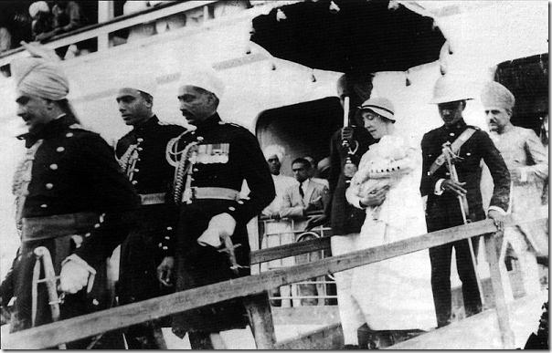 800px-AsafJah8-Nanny_Bombay-1933