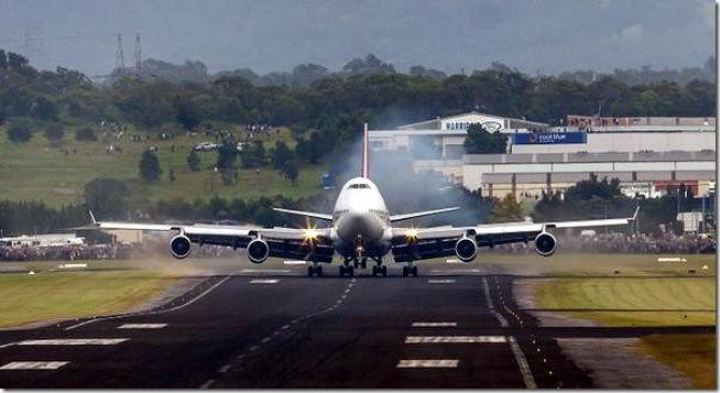 QANTAS-landing