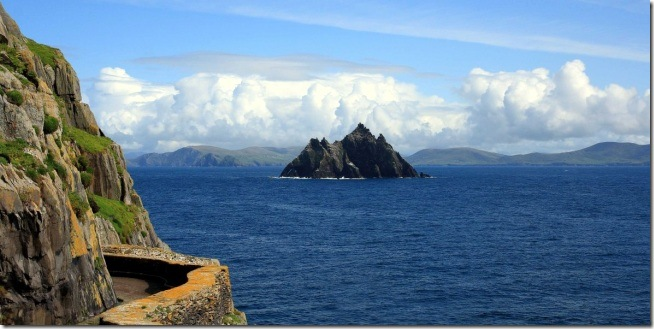 heres-the-irish-island-where-they-filmed-the-most-gorgeous-scene-from-the-new-star-wars