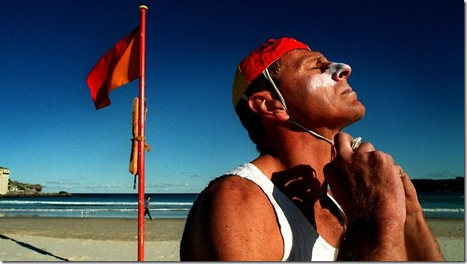 871793-beach-lifeguard