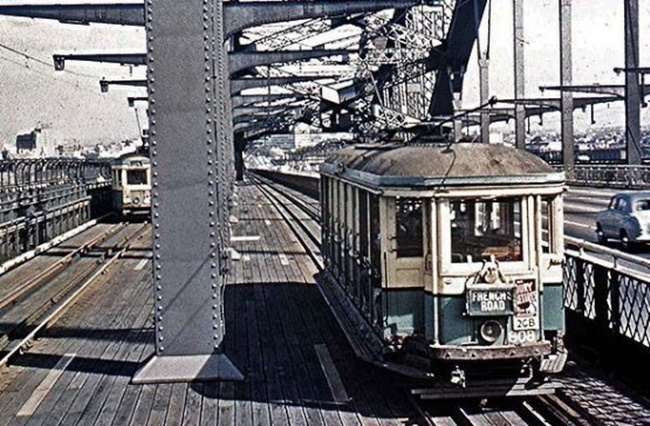 Harbour-Bridge-trams-50s-e1453239031347