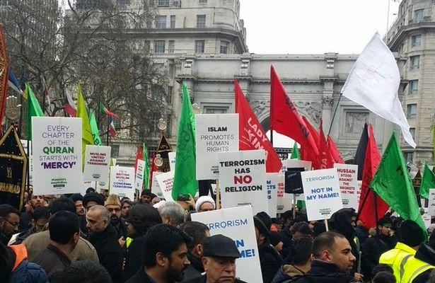 Hundreds-of-Muslims