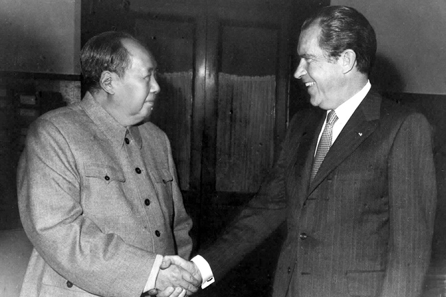 Chairman Mao Zedong met US President Nixon in Beijing on Feb. 21,1972.